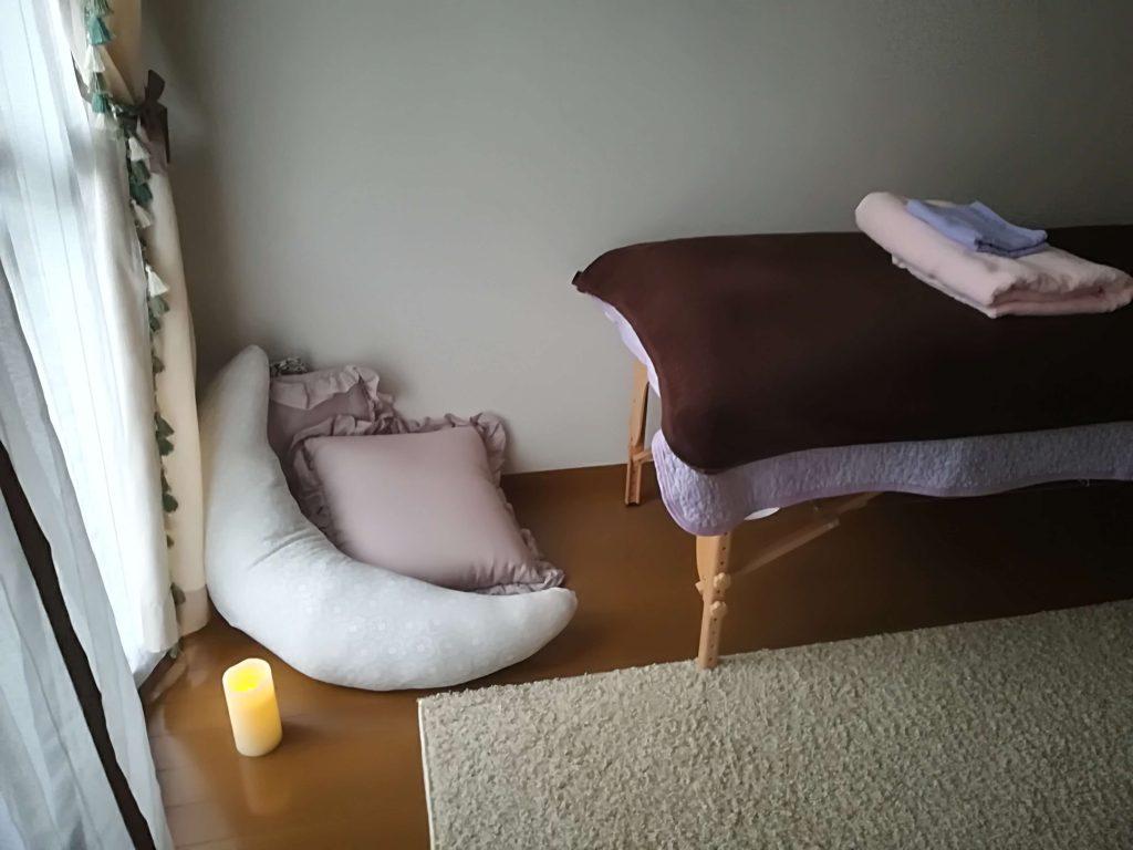 ヒーリング用ベッドの写真