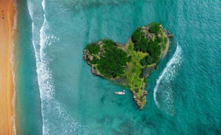 ハートの形をした島